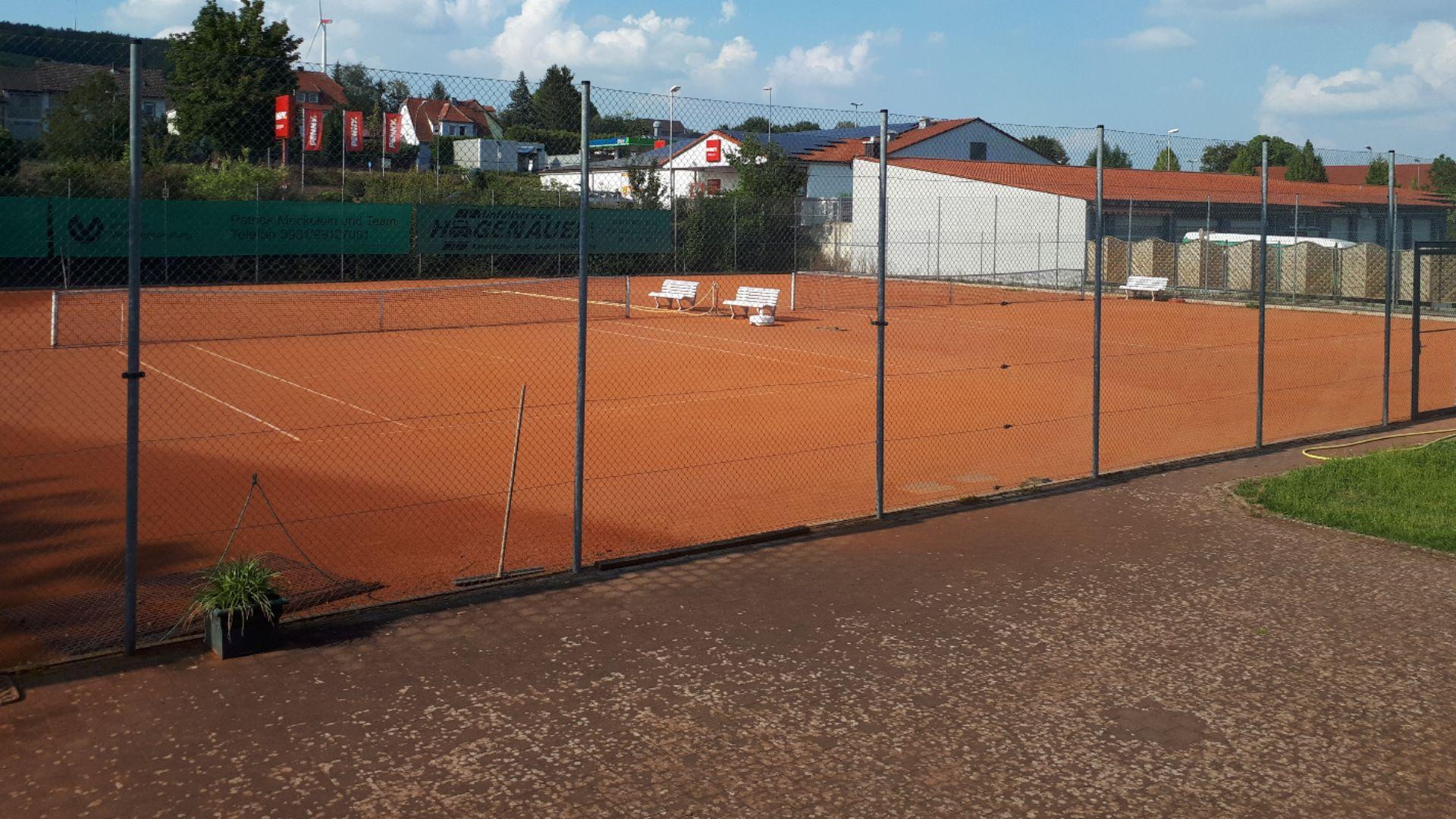 Tennis - Plätze 2&3